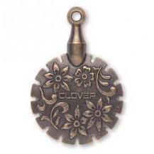 Clover thread cutter pendant - Antique Gold