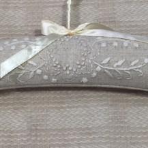 natural wreath coat hanger detail