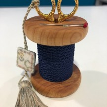 BLUE WOODEN HOLDER 2