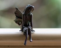 horti-iron-fairies-amy-sitting